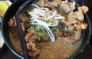 濃厚スープと縮れ麺のハーモニー♪