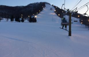自然に囲まれた南区の奥にあるスキー場