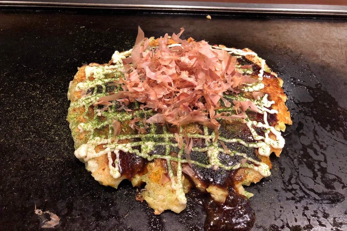 道産食材で作るふわふわでアツアツな北海道民のソウルフード「お好み焼き・焼きそば 風月」