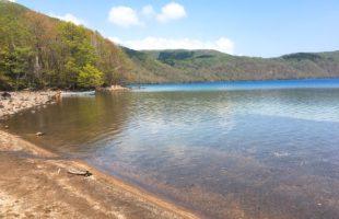 透明度は摩周湖に次ぐ2位 国内有数の美しい湖 ~倶多楽湖~