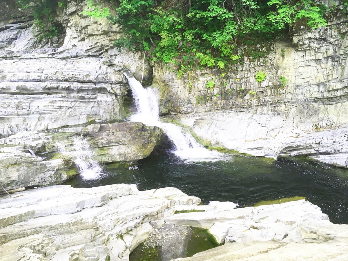ドライブの途中に涼める滝~三段滝~